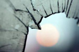 读点心理学:破窗效应的内容和启示